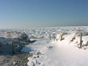 Chapin Beach January 2004.....The essence of Seasonal difference in New England